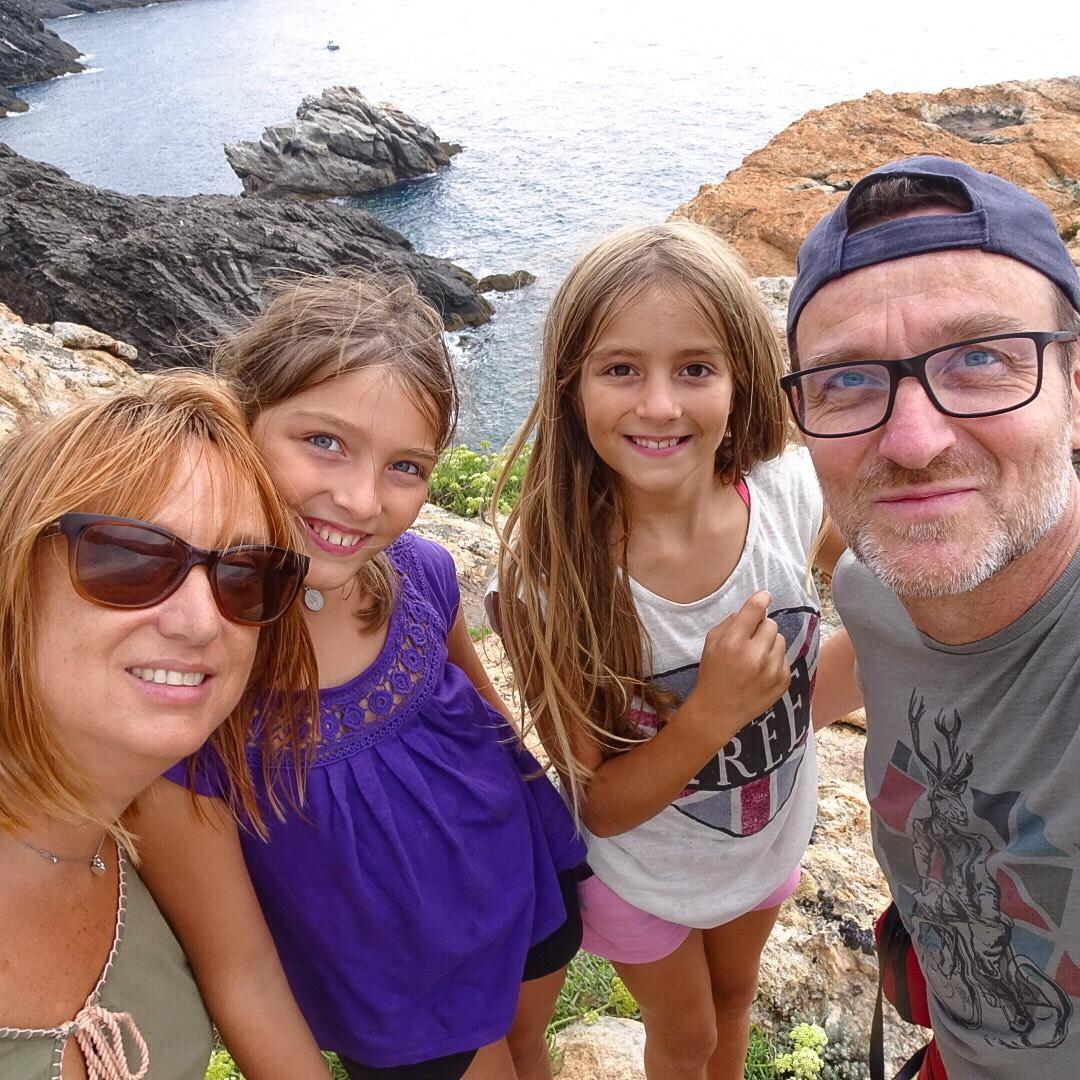 Famille Barcelone tous ensemble