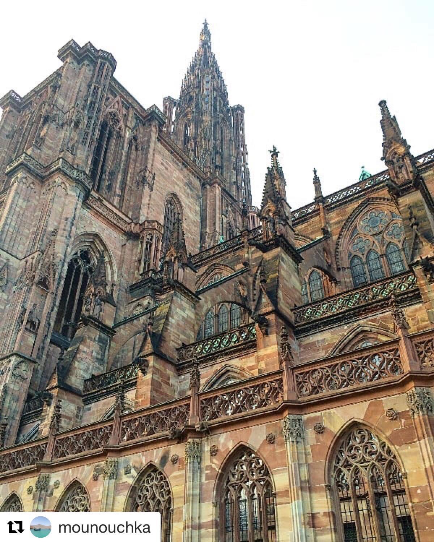 cathedrale avec des details-min